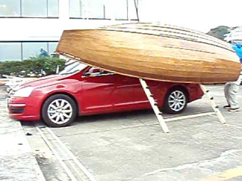Boat Climbs To Car Top By Single Hand Youtube