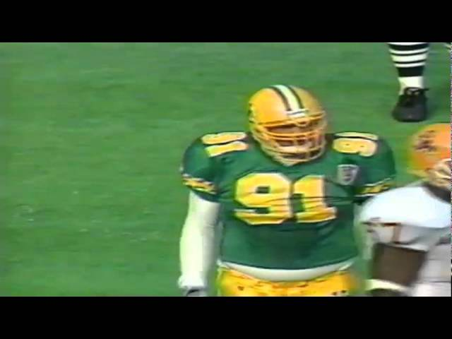 Oregon DT Bryant Jackson stuffs an ASU RB for a big loss 11-05-1994