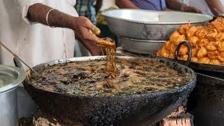 Hands In Boiling Oil: Indian Chef Fries Fish With Bare Hands