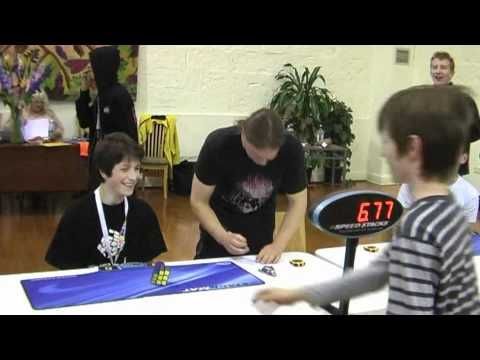 Watch New World Record- 3x3x3