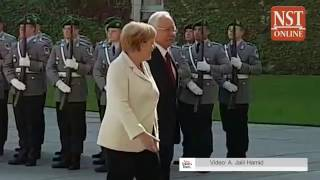 PM Najib gets red carpet welcome in Berlin for talks with Merkel