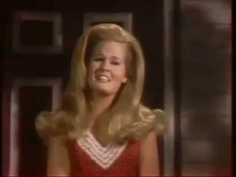 Lynn Anderson - He