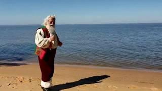 Santa does the Baby Shark Challenge!!