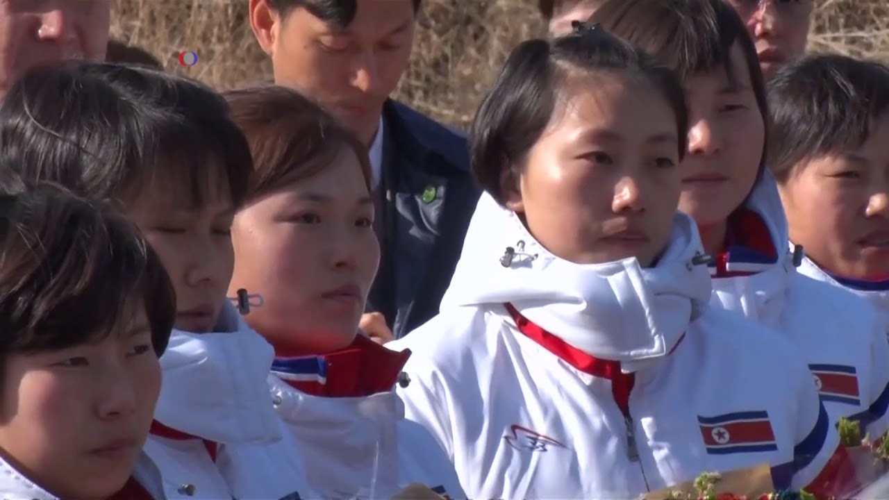 Korean Women's Ice Hockey Teams Unite Before 2018 Winter Olympics