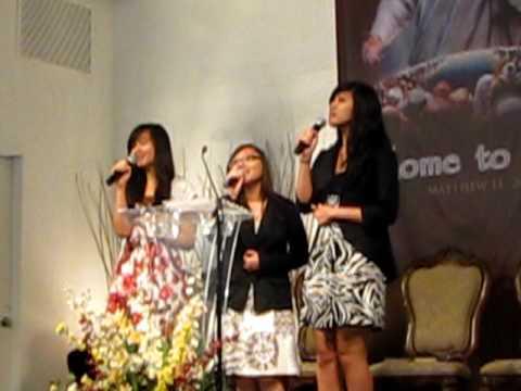 Dia Hanya Sejauh Doa - Forever Praise video