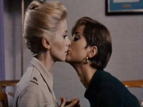 Catherine bell lesbian Belli, super