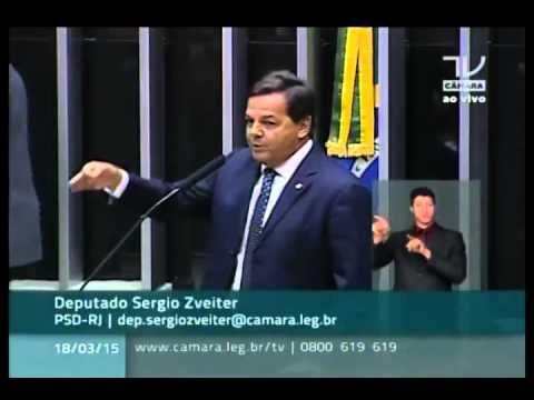 Min. Cid Gomes se retira do Plenário da Câmara ao ser chamado de palhaço