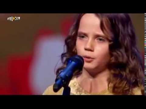 Amira Willighagen- (Subtitulos Español) ¡¡ No te lo pierdas !!!