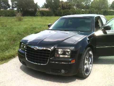 2005 chrysler 300 touring view our current inventory at. Black Bedroom Furniture Sets. Home Design Ideas