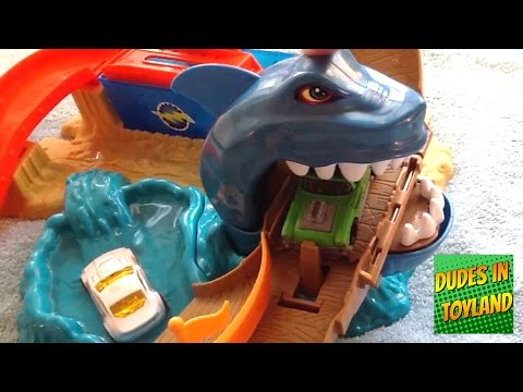 Hot Wheels color shifters Sharkport Showdown commercial parody toys videos for children