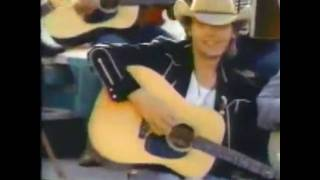 Watch Dwight Yoakam Streets Of Bakersfield video
