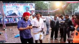 Lungi Dance Chennai Express - Kabali Movie Release - Rajinikanth - Fans reaction in Mumbai