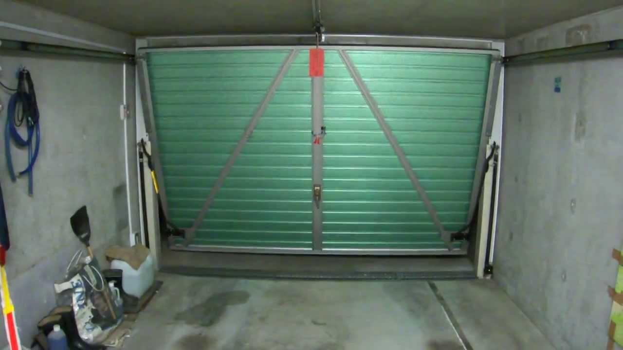 DIYによるガレージドアの ...