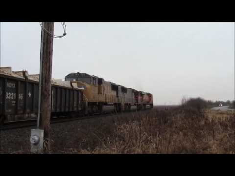 A First For Me! VERY RARE!! BNSF Mixed Train W/ UP SD70M @ Colebrook BC Canada ES44AC 6173 Leading