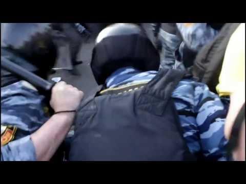 ОМОН в Москве наводит порядок Бирюлево. Кавказские погромы
