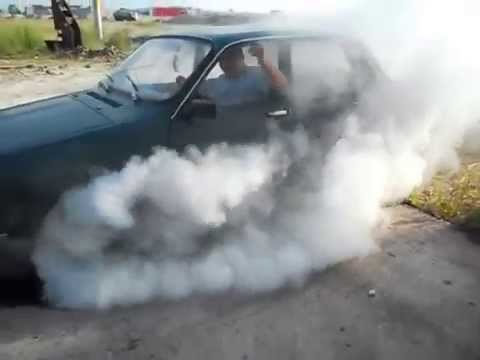 Burnout with a 45-year-old Romanian car