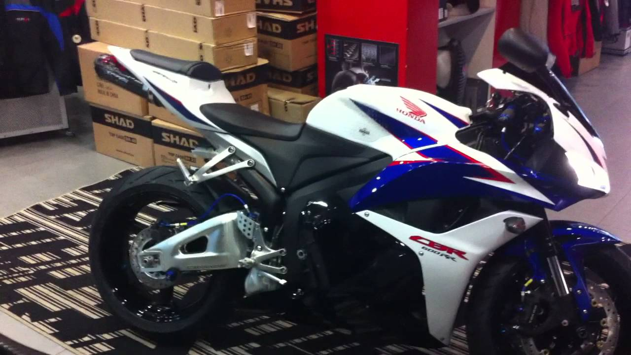 ... 600RR with Two Brothers Black Series Slip-On First Startup - YouTube