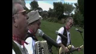 Watch Wurzels Dont Look Back In Anger video