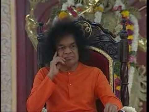 BHAGAWAN SRI SATHYA SAI BABA BHAJANS SANG IN THE DIVINE PRESENCE...