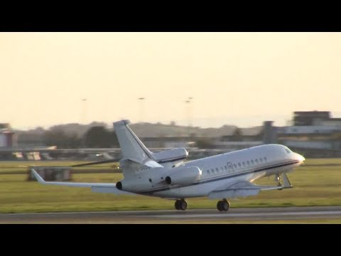 Private jet smooth landing at shannon airport on runway 24  (full HD)