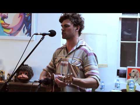 Vance Joy - Riptide Live
