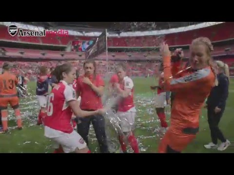 Arsenal Ladies celebrate after winning the Women's FA Cup!