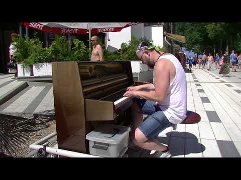 Hallelujah. Mobile Piano. Street Player, Amazing! Poland. Mobilne Pianino, Niesamowite!
