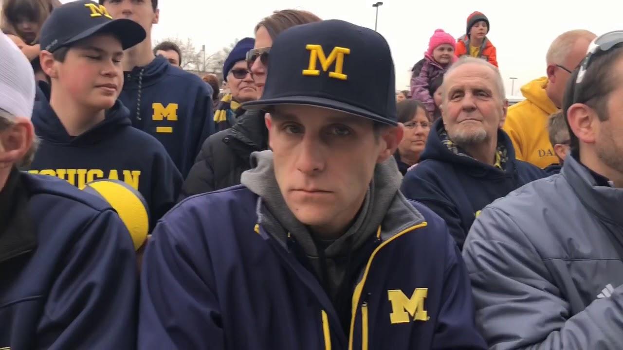 Michigan basketball fans celebrate departure of Final Four team