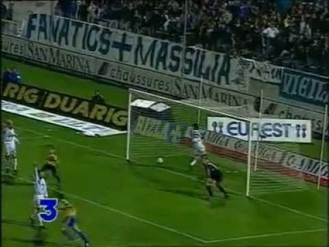 14e journée de Division 1 de la saison 1993/1994, 23 octobre 1993. Marseille - Sochaux : 1 - 1. Buts de William Prunier pour Marseille, Henk Vos pour Sochaux.
