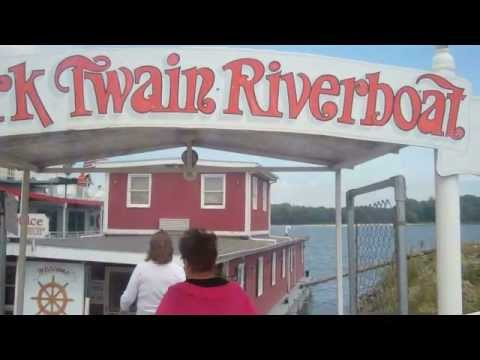 Historic Hannibal, Missouri, Mark Twain Riverboat & Mark Twain Caves