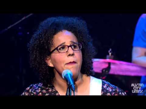 "Alabama Shakes ""Hold On"""
