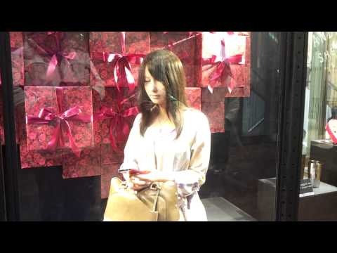 Hiroshi Ishiguro's VM display for Valentine's Day