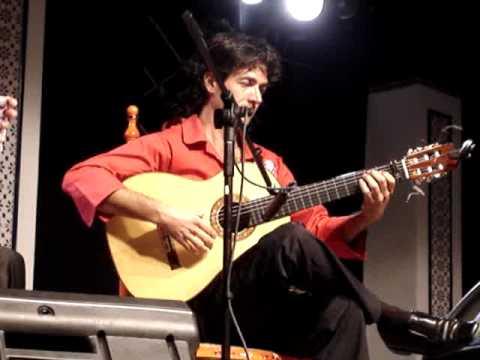 niño de pura con guitarra jesus de jimenez