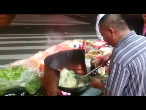 Street food in China, The Wok Master