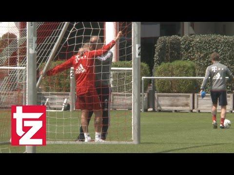 FC Bayern vs. Atlético Madrid: Applaus für Pep nach CL-Aus - Guardiola umarmt Rafinha