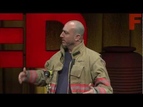 Марк Безос: Урок жизни от пожарного-добровольца