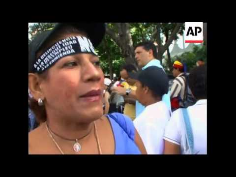 Hundreds stage peaceful protest against imprisonment of Chavez opponents
