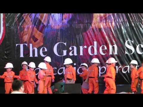 Homenaje a los 33 , The Garden School