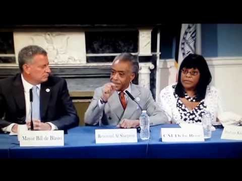 Al sharpton debates NYPD and MAYOR bill de blasio