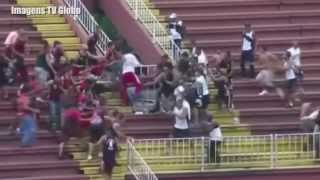 Briga entre torcidas do Atlético PR e Vasco da Gama (08-12-2013) - Football Fight in Brazil