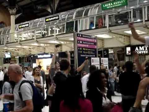 Hey Jude Olympic (spontaneous 27.07.12) @ Liverpool st Station LONDON
