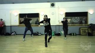 Ola Papiór - SHARAYA J - shut it down [studio 68 London]