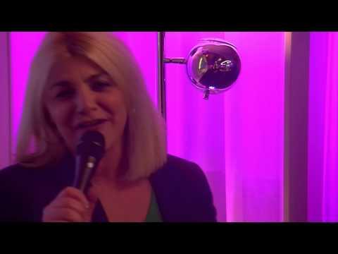 Sandra Kim - J'aime La Vie (Live @ Qmusic, 2013)