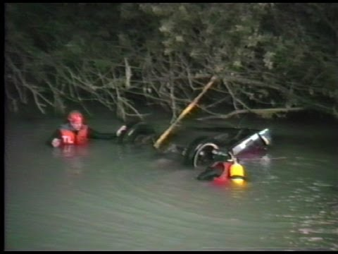 Car Found In Stuck River Two Dead - Sumner WA