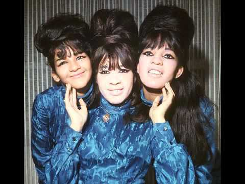 The Ronettes - Walking In The Rain - 1964