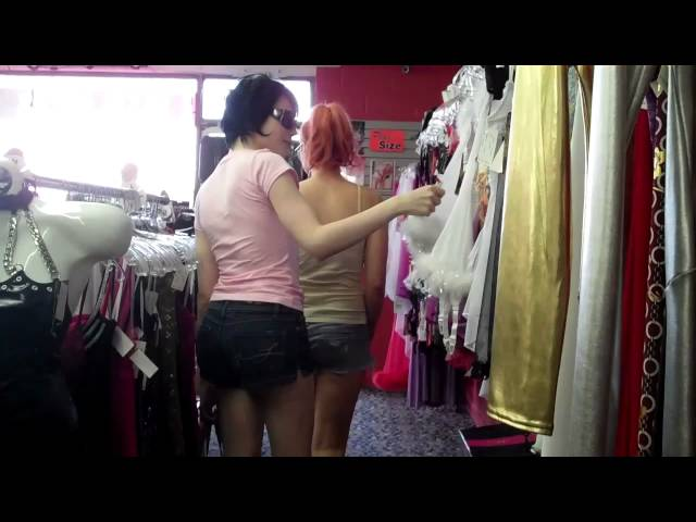 Sarina Valentina and Bailey Jay go shopping!!