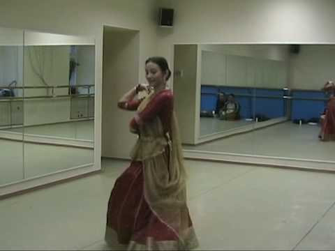 Elena Medvedkina Dancing Folk Dance Of Rajasthan Sung By Ila Arun- Assi Kali Ka video