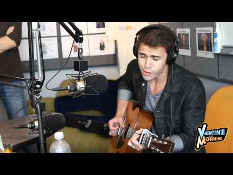 Kris Allen Mash-up Of Rihanna/ Katy Perry/ Lady Gaga Music Videos