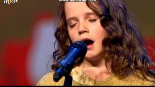 Amira Willighagen (9) Hollands Got Talent