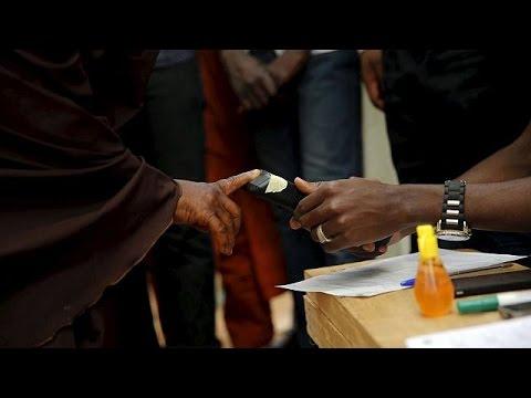 Elezioni in Nigeria, sfida Jonathan-Buhari. Boko Haram attacca nel nord, autobomba nel sud